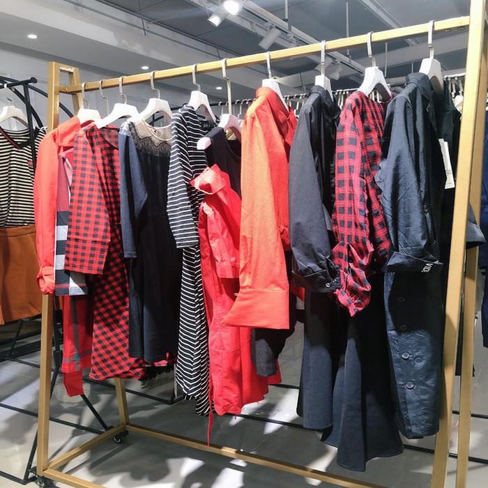 芭蒂娜批发品牌折扣女装女装尾货武汉服装尾货市场在